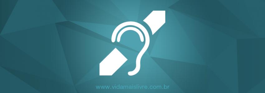 Símbolo da deficiência auditiva, em fundo verde.