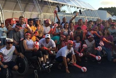 Foto do grupo de pessoas com deficiência no Festival
