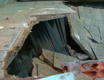 Foto de uma parte da estrutura que desabou
