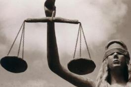 Imagem de balança simbolizando a justiça