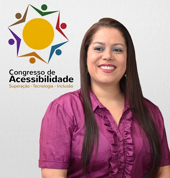 Dolores Affonso ao lado do logo do congresso.