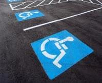 Vagas de estacionamento para pessoa com deficiência