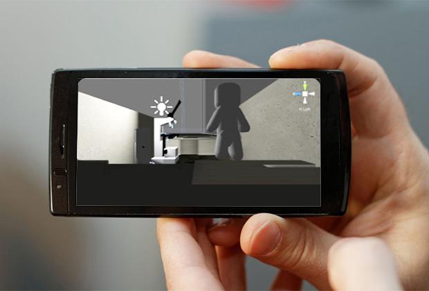 Mãos em close seguram um aparelho celular que exibe a tela do jogo.