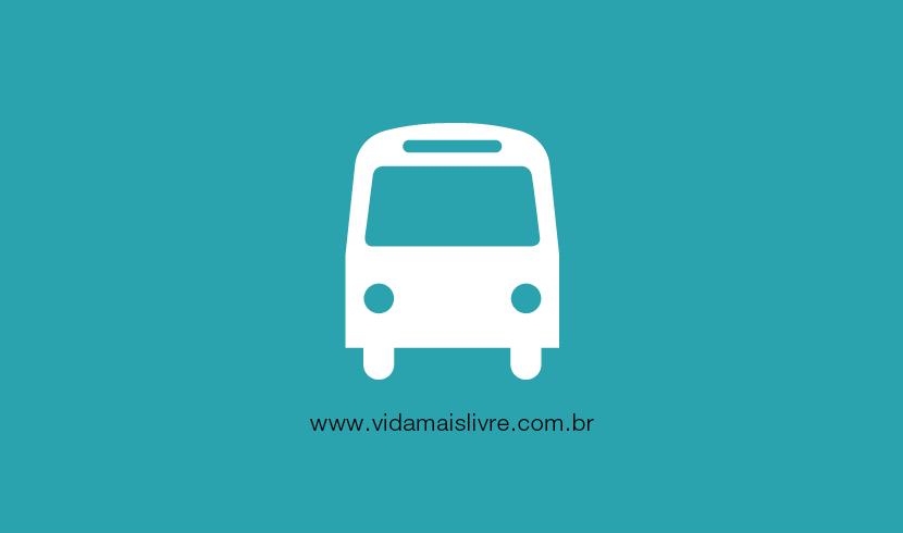 Em fundo verde, ícone branco que representa um ônibus